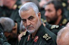 ماجرای عکس سردار سلیمانی در اتاق وزیر جنگ آمریکا چیست؟