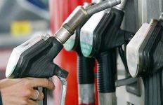 عضو کمیسیون عمران مجلس: نسبت به میزان سهمیه بنزین بازنگری شود